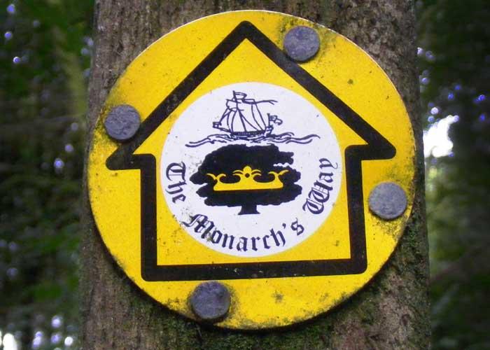 Walking In Gloucestershire, Monarchs Way