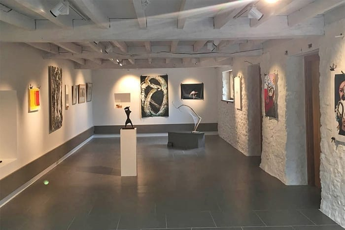 Art Galleries & Exhibitions