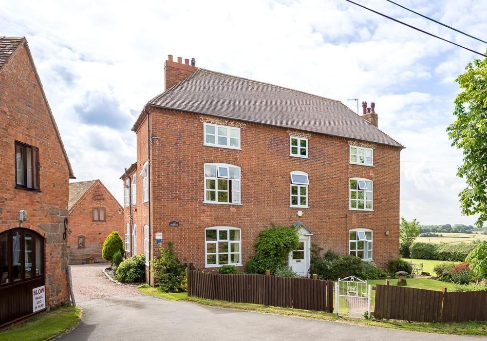 Durrance Farmhouse And Cottage